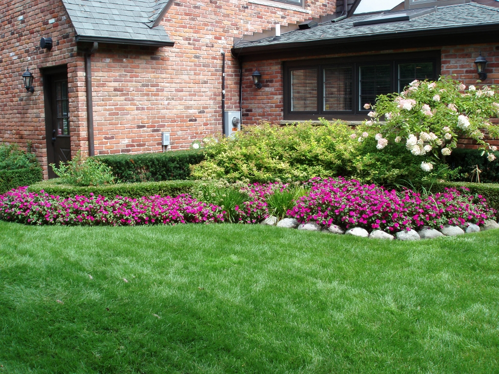 Front Yard Landscaping Ideas On a Budget Low Maintenance ... on Landscaping Ideas For Front Yard On A Budget id=18829