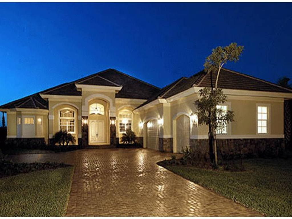 Mediterranean style luxury one story mediterranean house for Luxury single story home designs