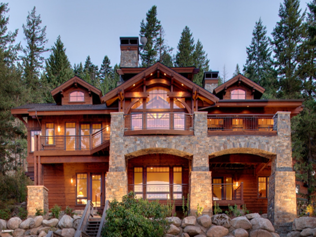 Lakefront homes mountain house lakefront mountain home for Lake front home