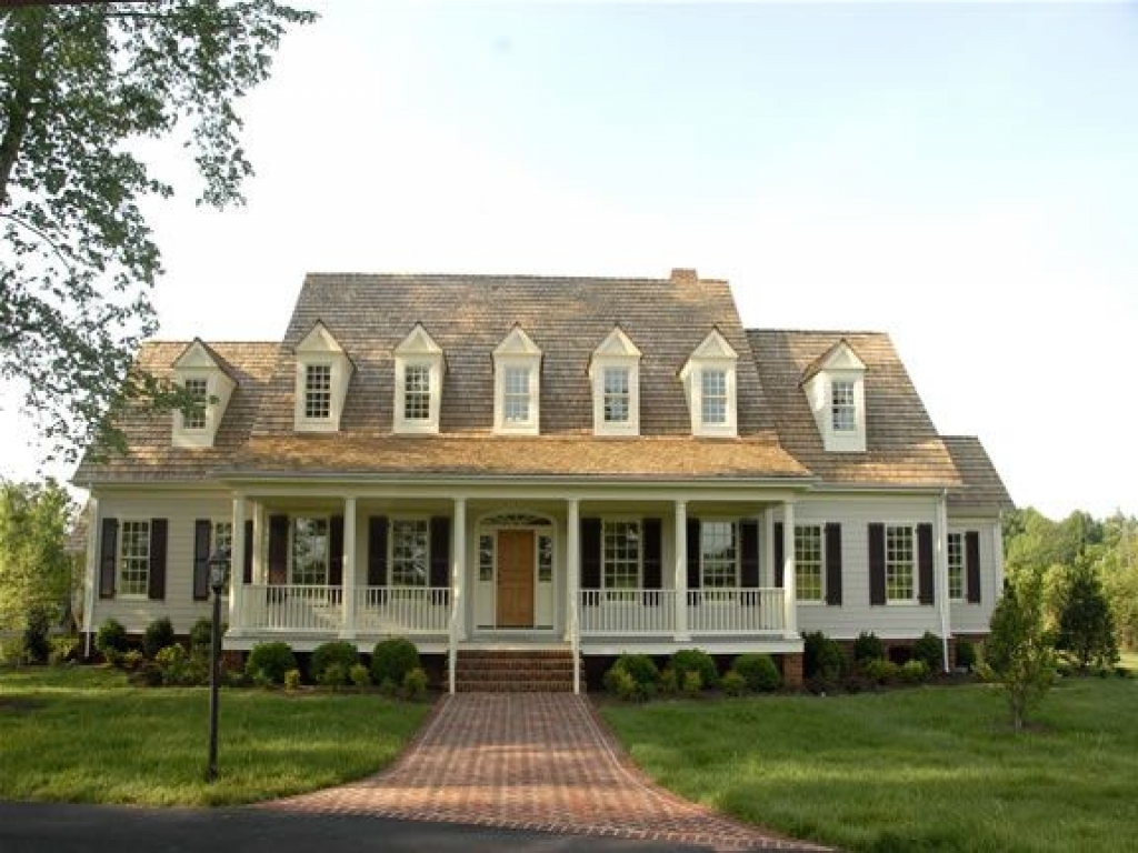 Southern Colonial Homes with Four Columns Southern