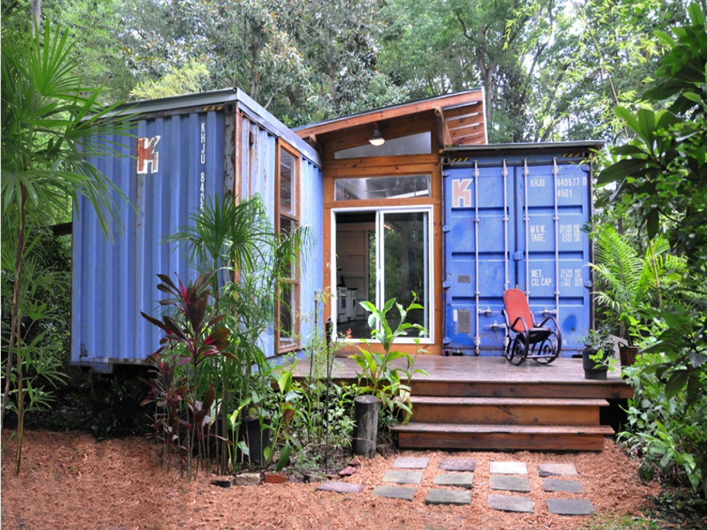 Shipping container homes kits shipping container tiny home for Shipping container home kits