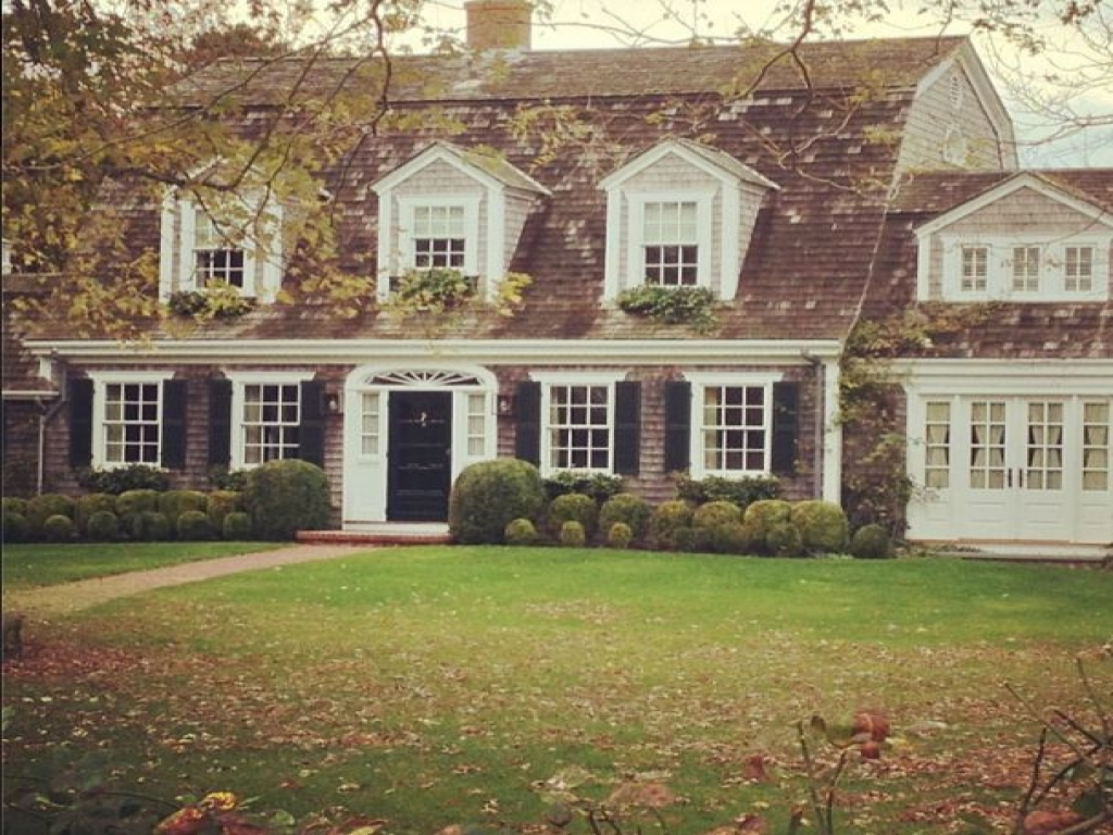 New England Colonial Style Home Early American Colonial
