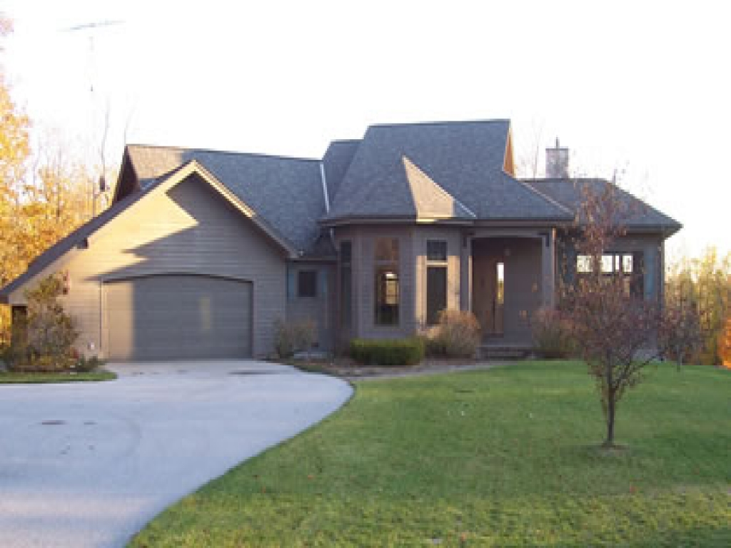 Ranch house plans with breezeway ranch house plans with for Walkout ranch home plans