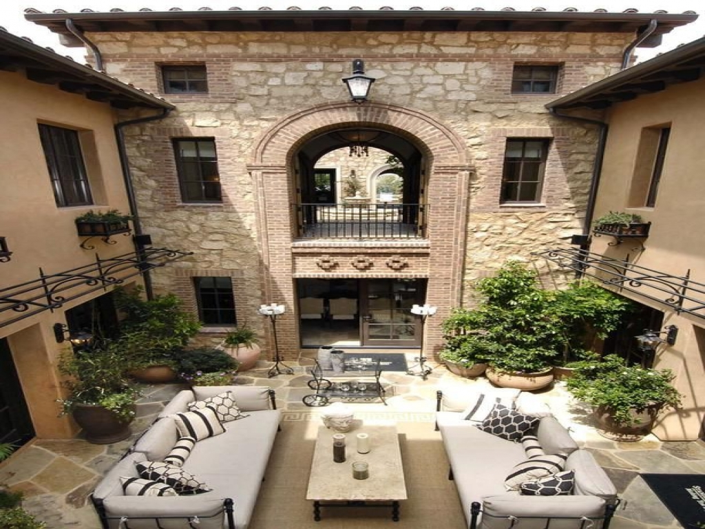 Italian Style Homes With Courtyards Mediterranean Style