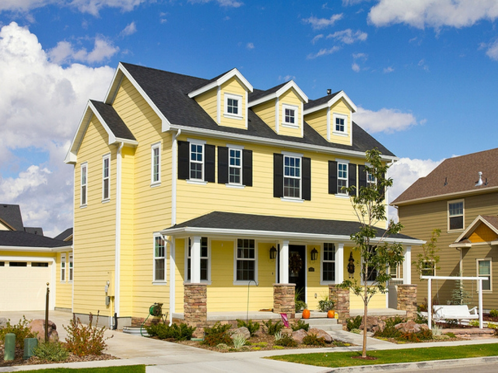 Old colonial houses yellow modern colonial house modern for Modern house yellow