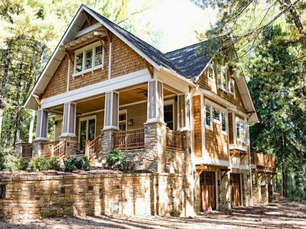 Craftsman bungalow style homes craftsman style cottage for Craftsman style home builders atlanta
