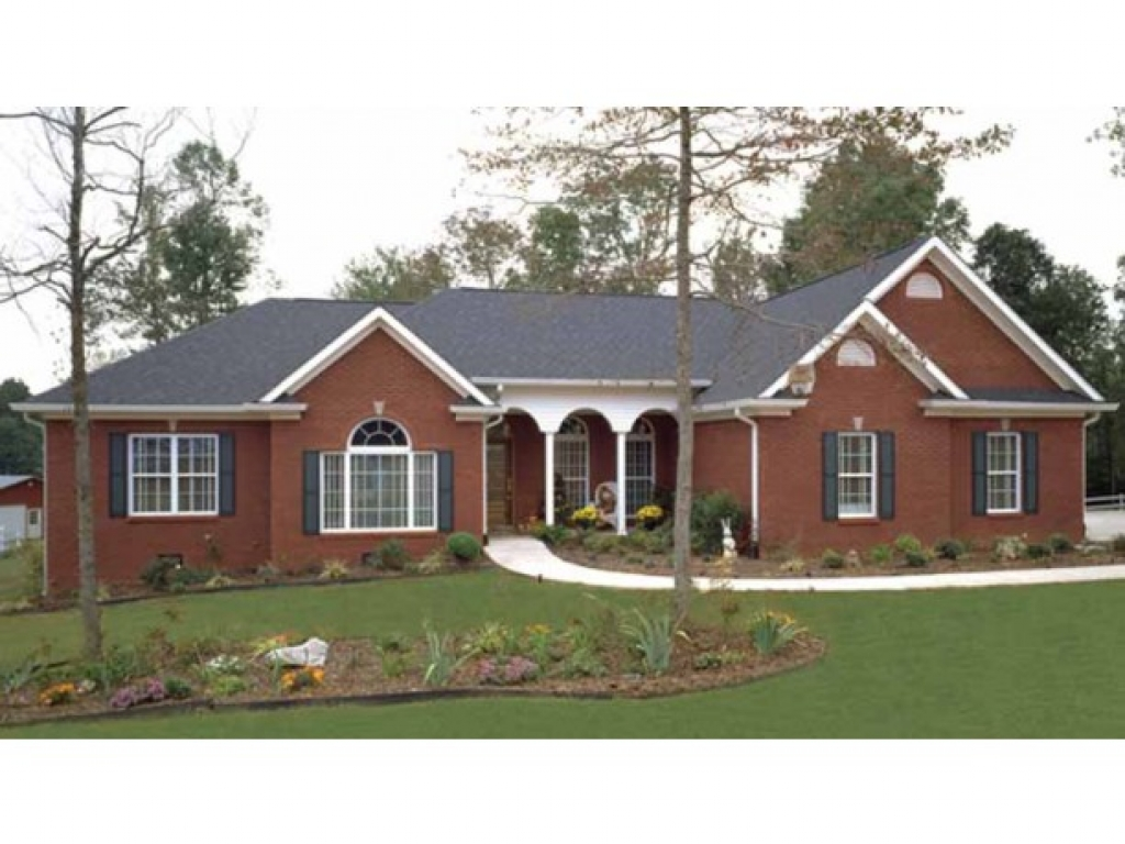 Brick ranch style house plans painted brick ranch style for Large ranch house plans