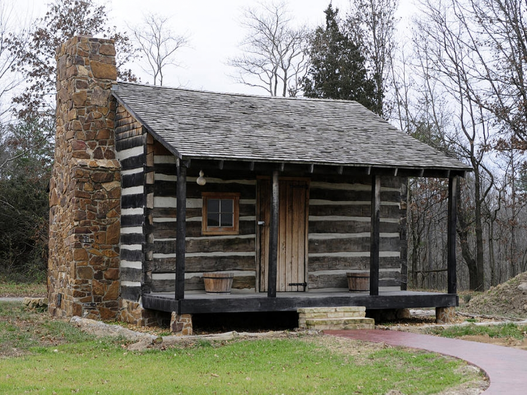 Cabins for rent in illinois log cabin kits illinois log for Log cabin garage kits