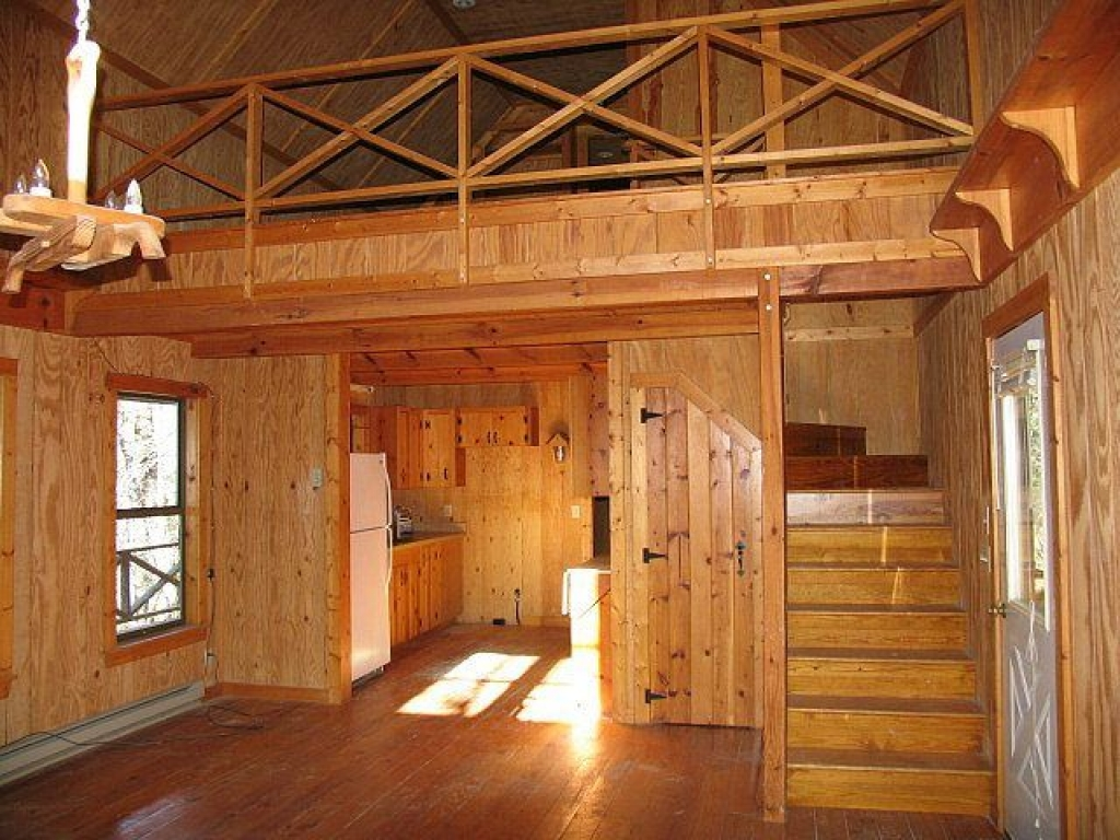 A Rustic Cabin With Loft Small Cabin With Loft Small