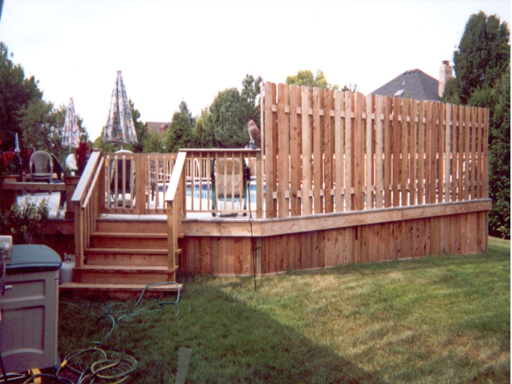 Above ground pool decks with privacy diy above ground pool for Above ground pool decks off house