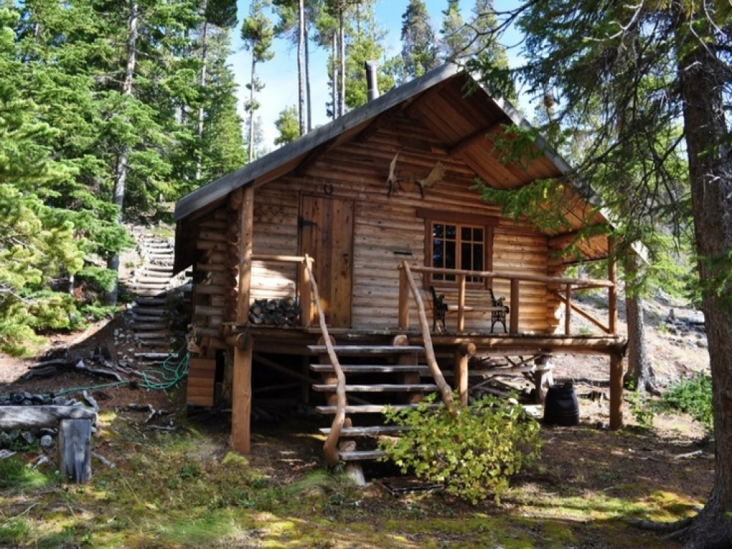 Wilderness log cabin survival log cabins wilderness cabin for Small survival cabin