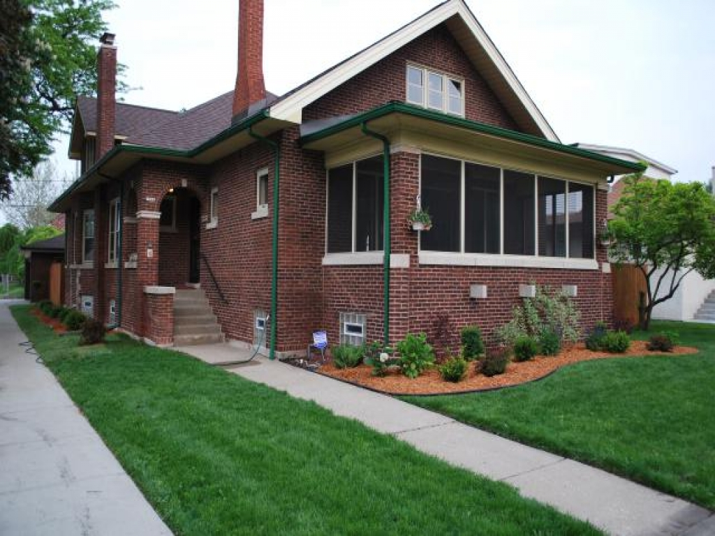 Chicago Style Brick Bungalow Chicago Bungalow Decorating
