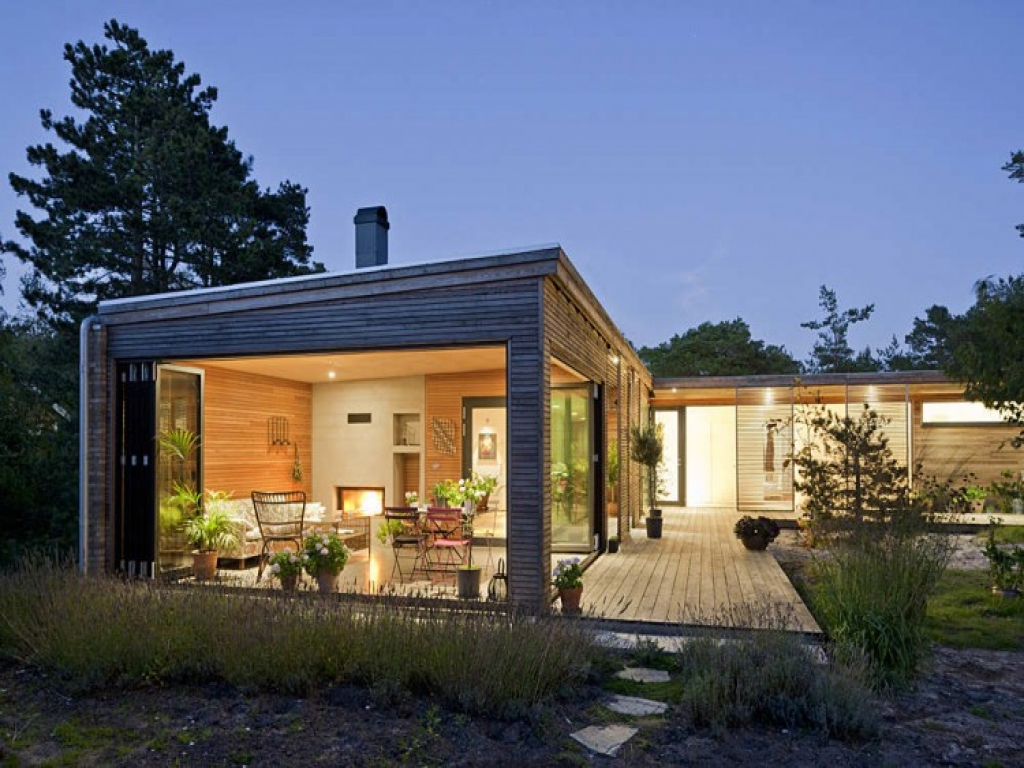 Small contemporary home modern house small modern for Small modern buildings