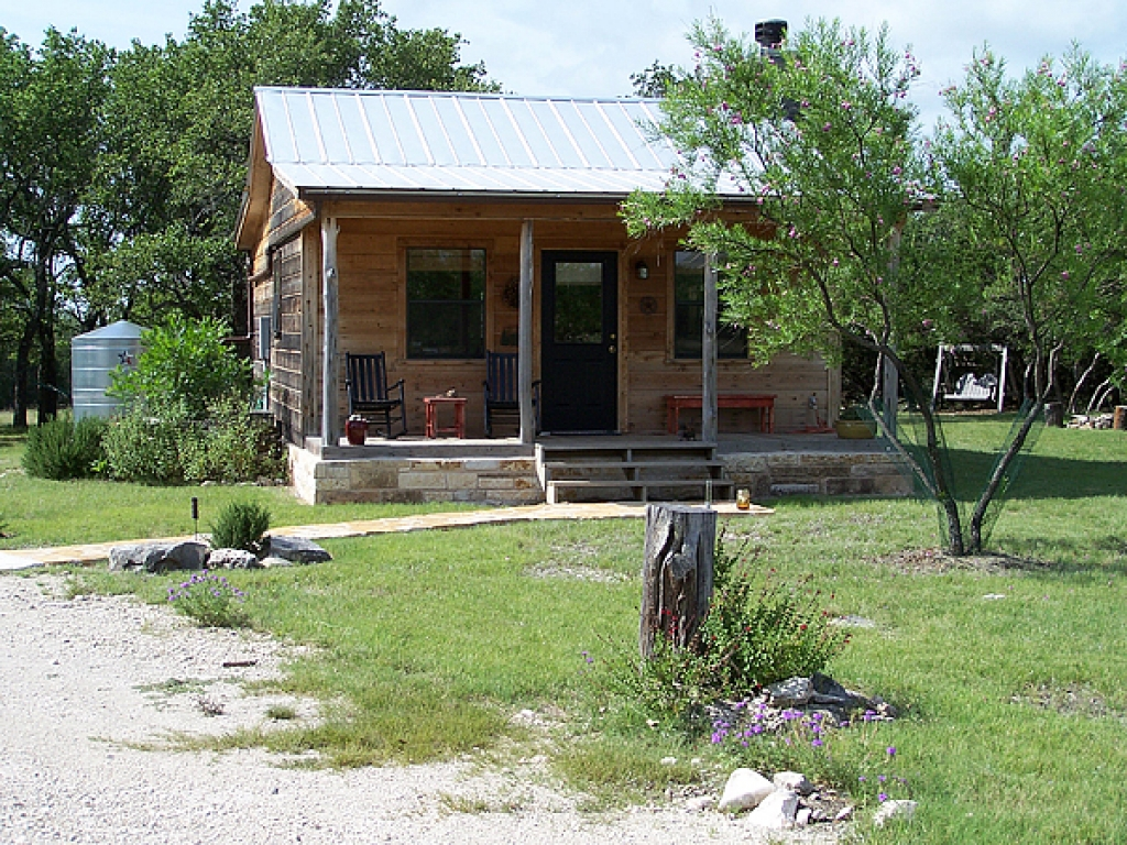 Hill country cabins concan texas texas hill country cabin for Texas hill country cabin rentals
