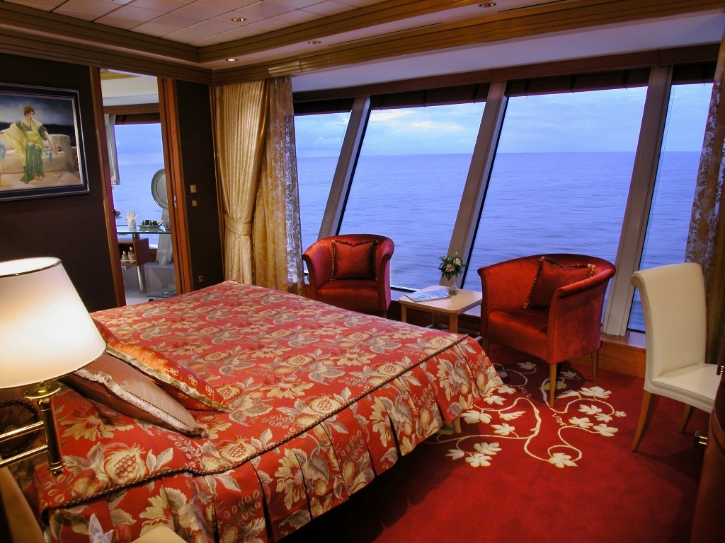 Cruise cabins and suites | CruiseMapper