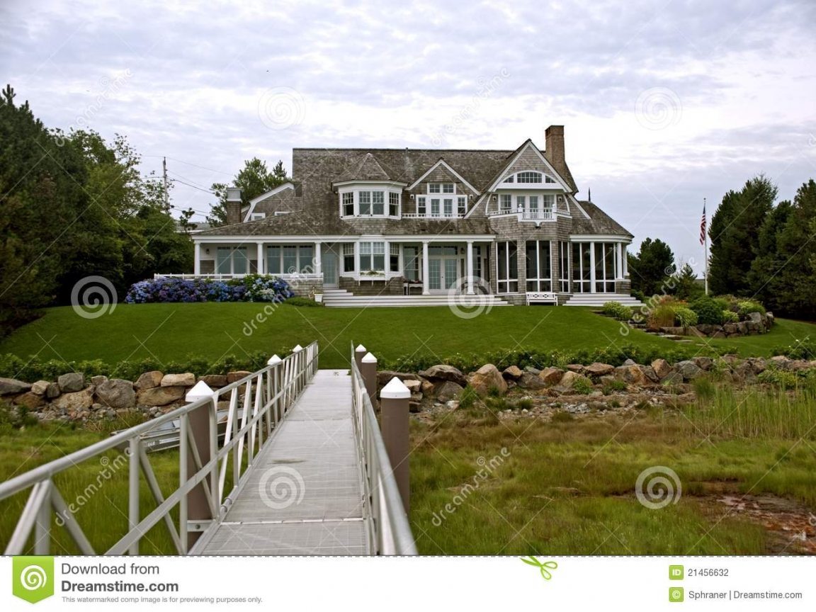 Cape cod style homes new england style house new england for New england home builders