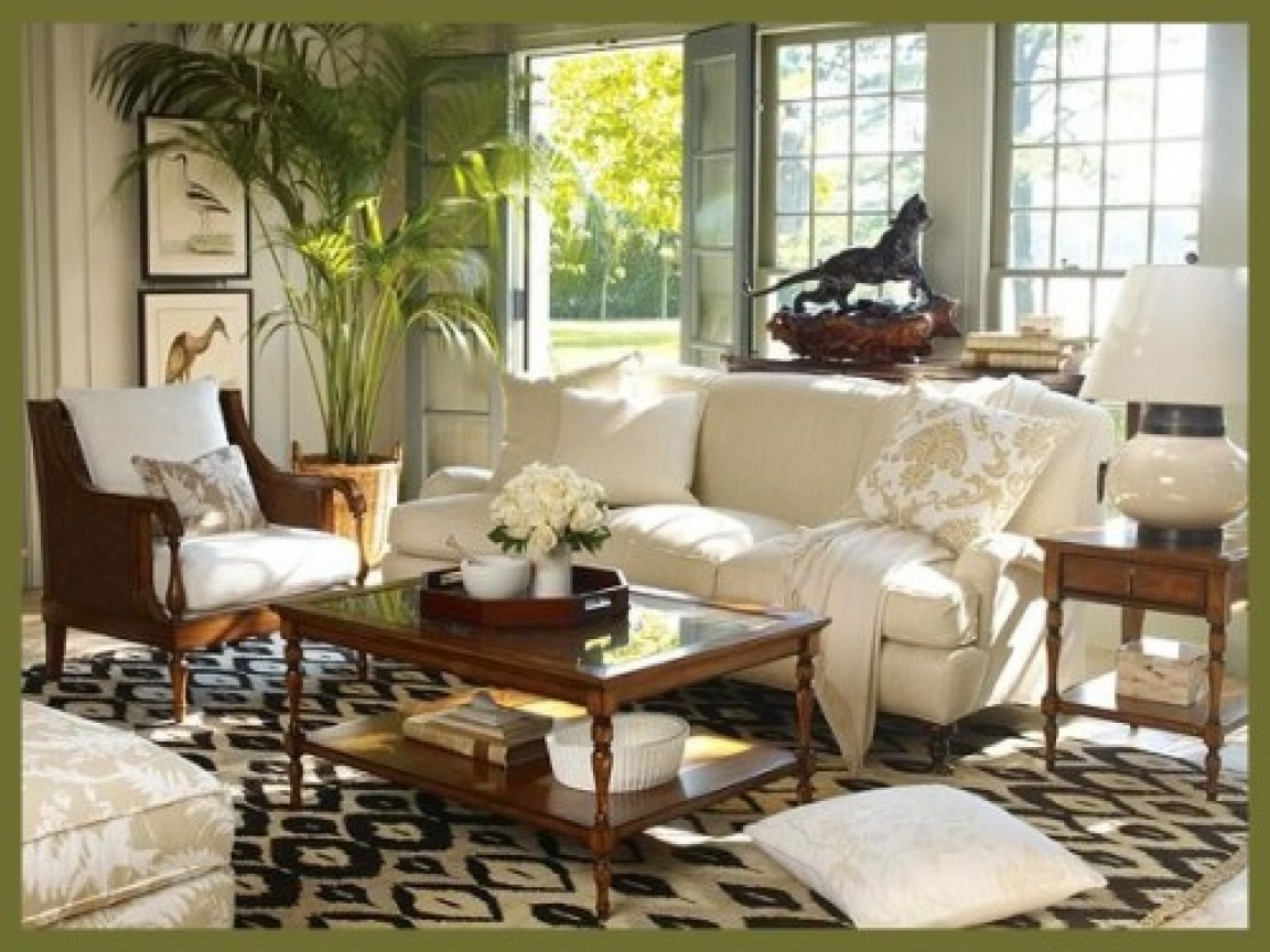 British colonial decor living room british colonial for Colonial bedroom decor