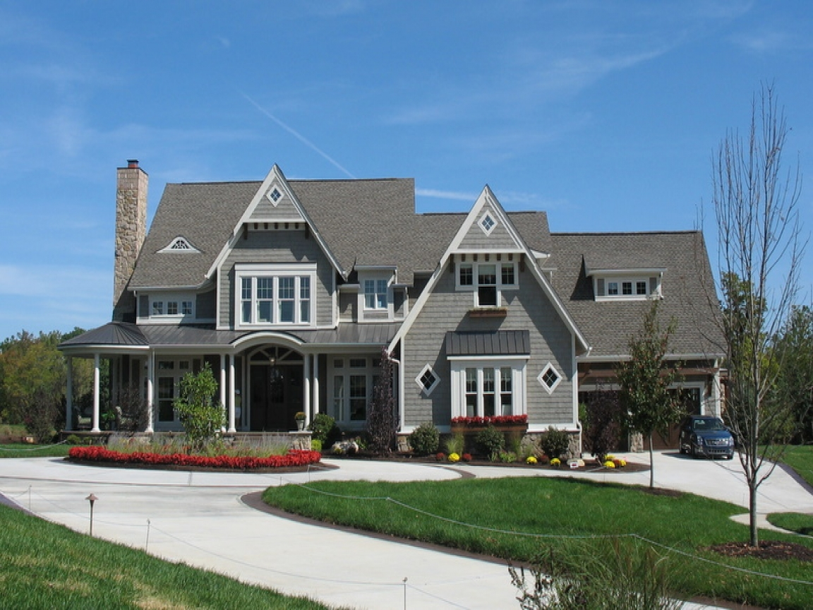 New england shingle style homes shingle style robert stern for New england home builders