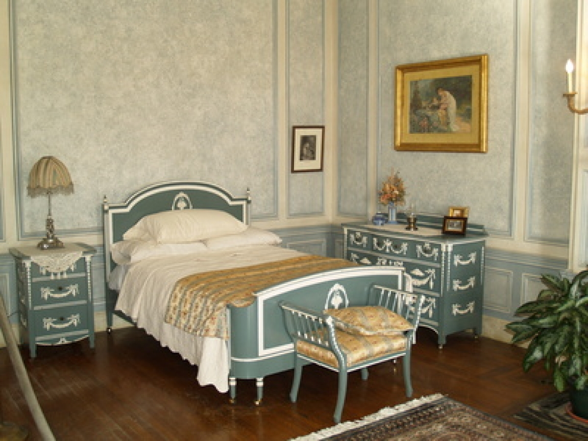 French Country Bedroom Decorating Ideas: Country Cottage Style Decorating Idea French Country