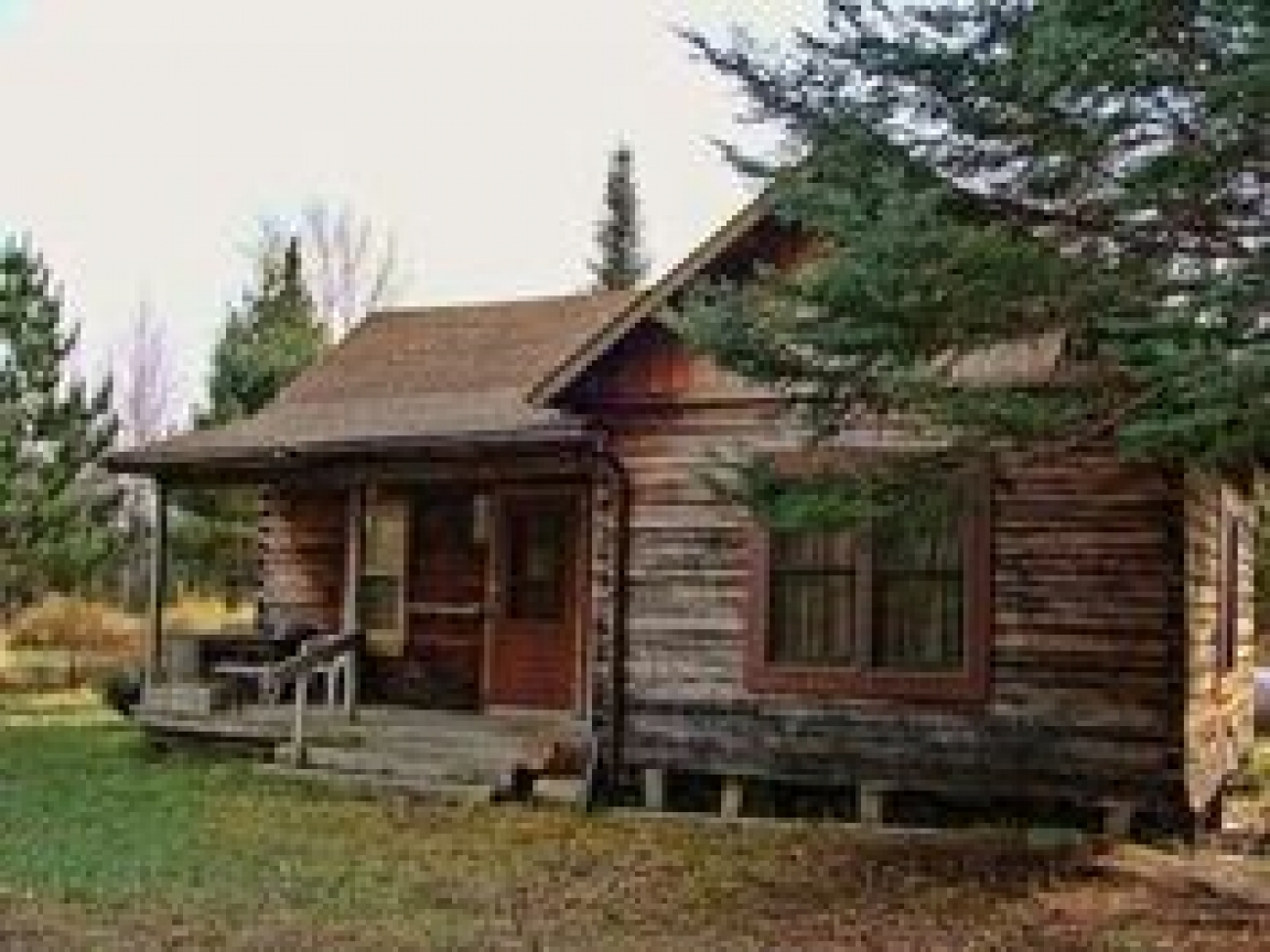 Country houses with porches small rustic country cabins for Country log cabins