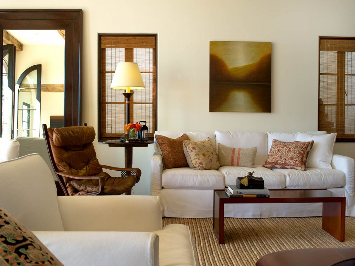 Decor Ideas For Living Rooms: Colonial Interior Paint For Living Room Decorating Ideas
