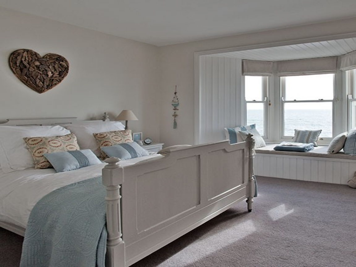 New england style home bedroom cape cod style homes new for New england home builders