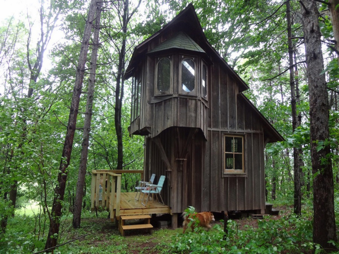 Inside The Home Of Tiny Houses And Cottages Tiny Cottage