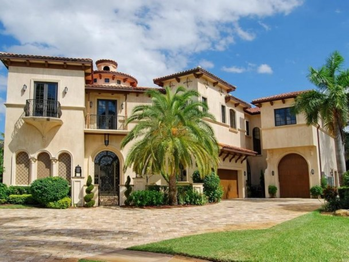 Small spanish mediterranean homes spanish mediterranean for South florida home designs