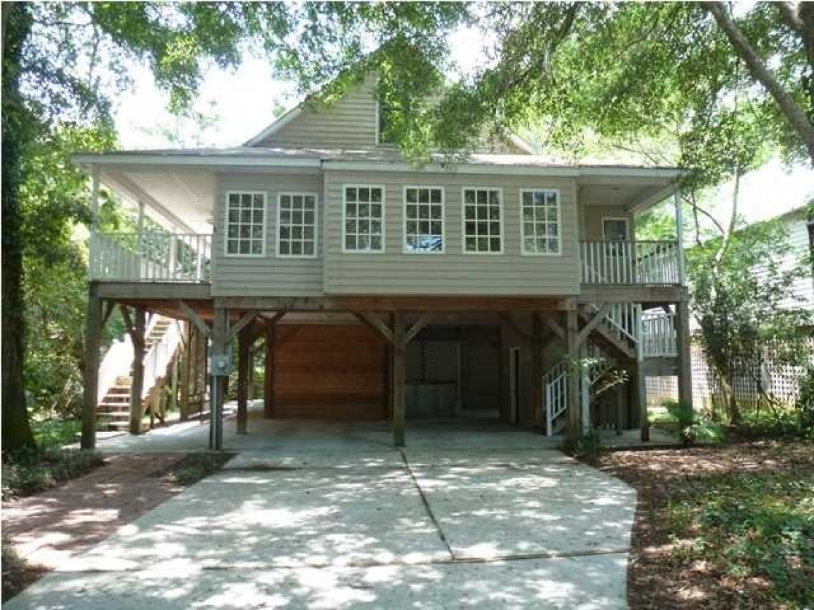 Amazing raised beach house in pawleys island sc beautiful for House plans sc