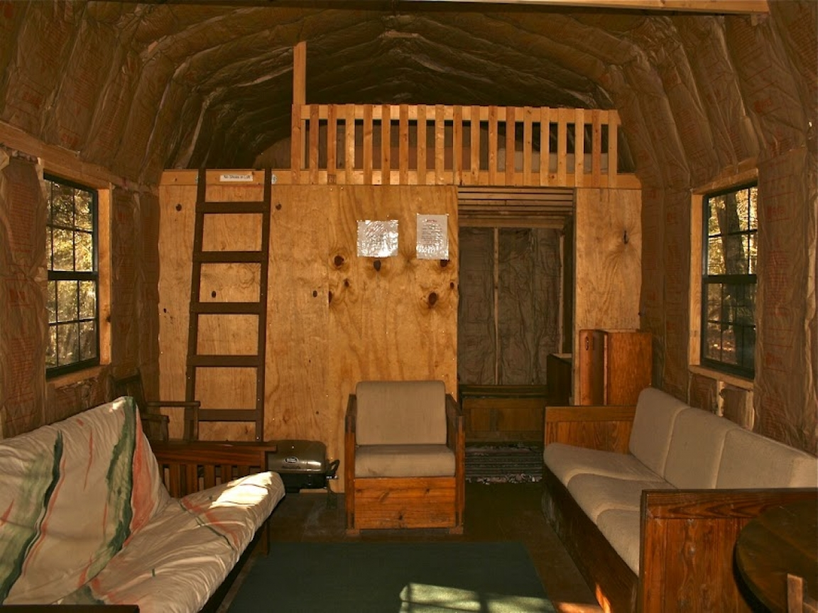 Small cabin with loft interior simple cabin plans with for Basic cabin designs