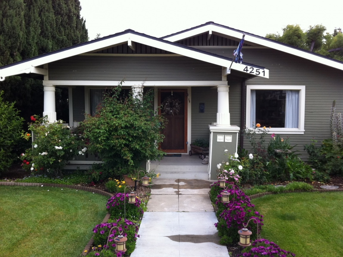 California craftsman bungalow front porch california for Bungalow house plans with front porch