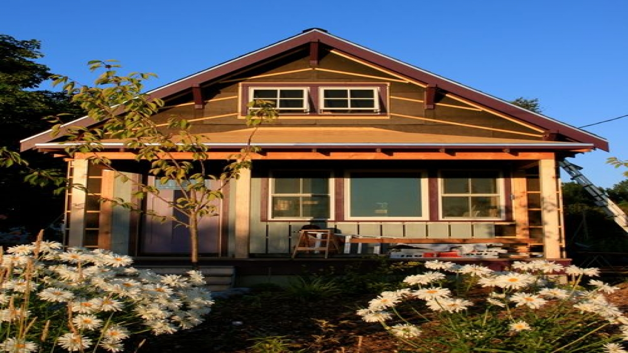Bungalow house with siding images bungalow exterior colors for Beach house siding ideas