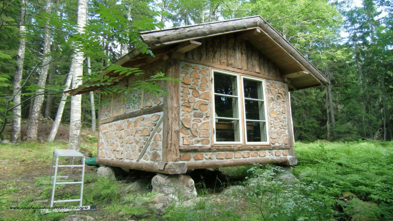 Inside a small log cabins tiny log cabin homes building for Small cabin homes