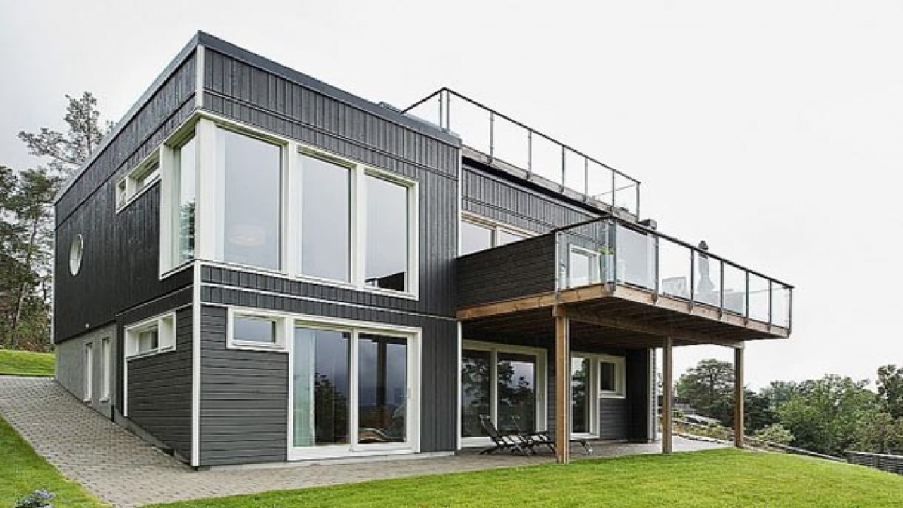 Two Storey Homes With Balconies Modern Homes With Balcony Designs Classic Design House