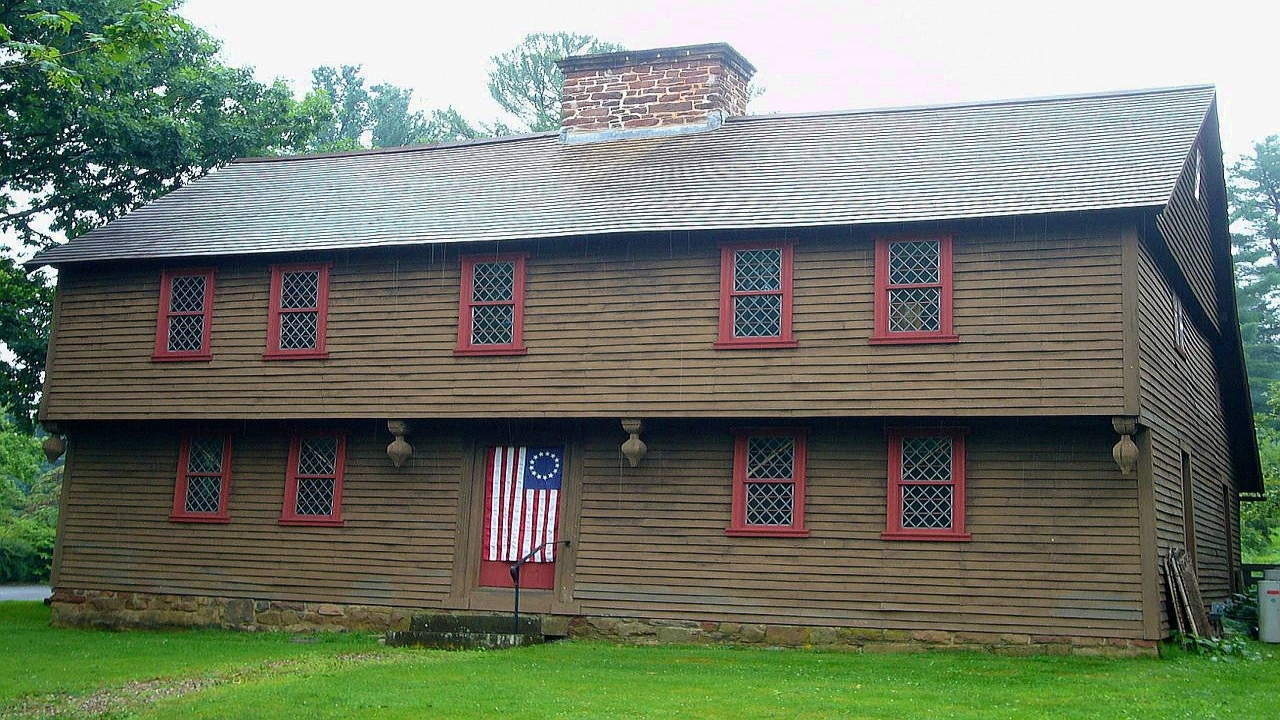New england colonial houses 1600s colonial homes interiors for New england colonial style