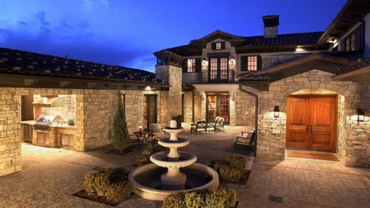 Spanish style homes with courtyards mediterranean style homes with courtyard mediterranean - Mediterrane mobel ...