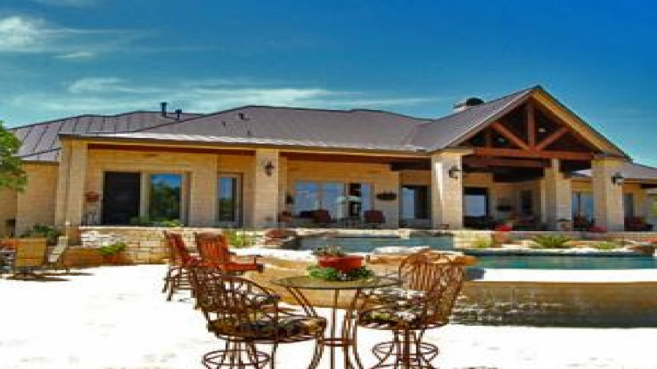 Texas hill country farmhouse texas hill country custom for Country home builders in texas