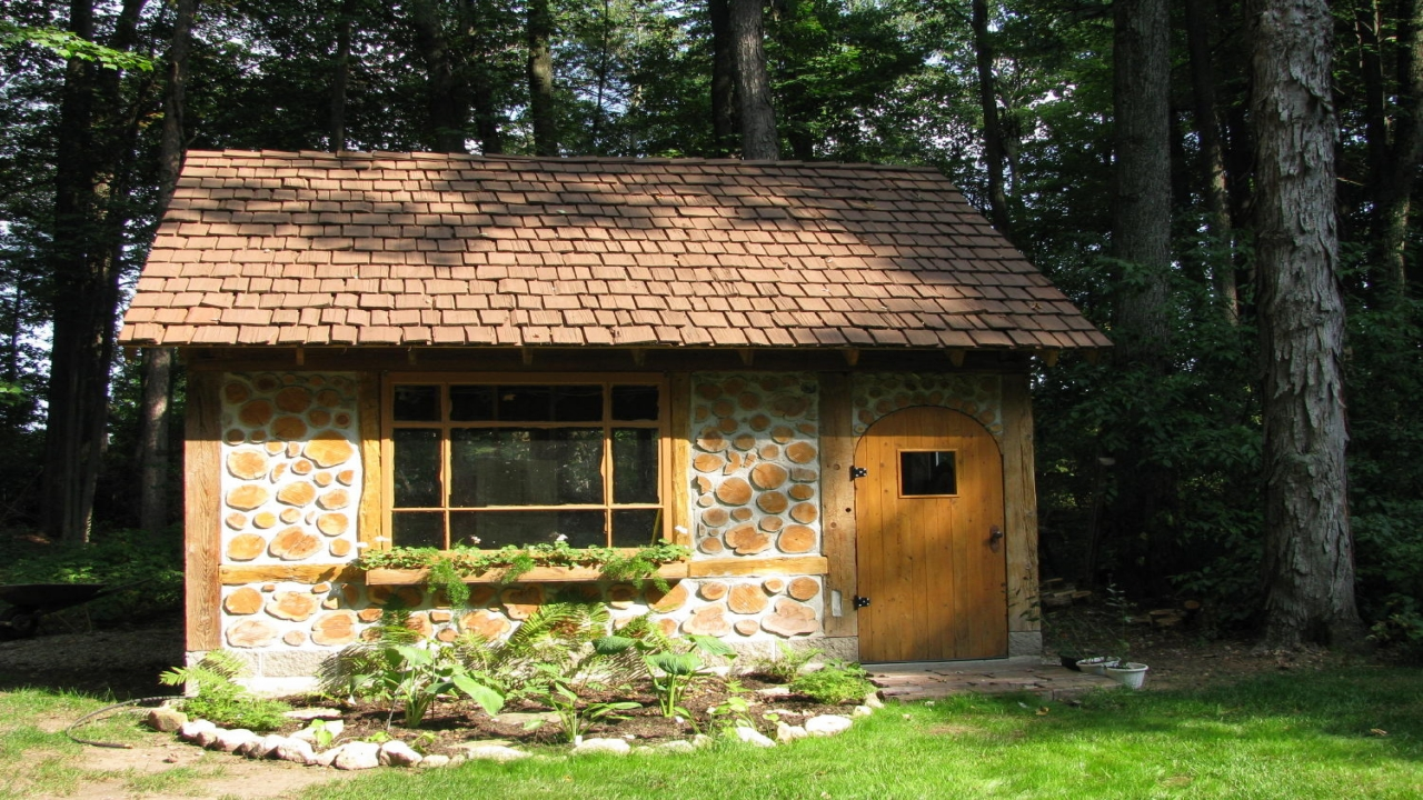 Cordwood cabin designs building a cordwood cabin cottage for Cabin construction ideas