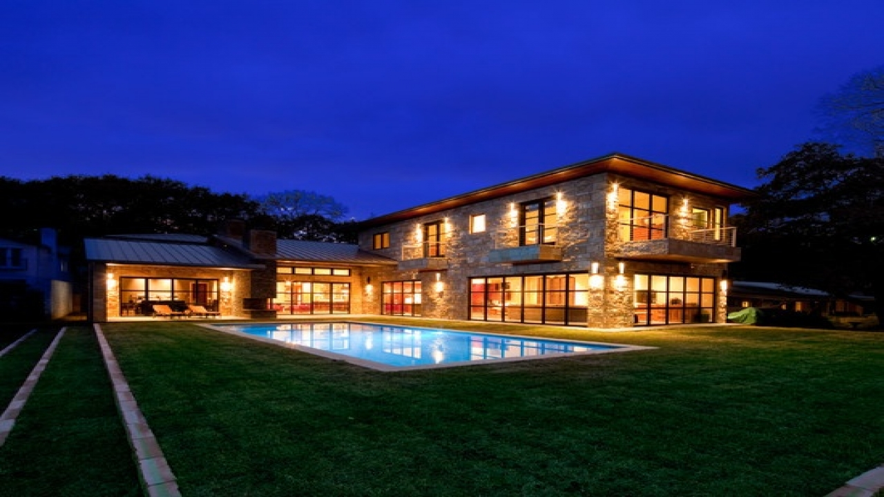 Lake norman waterfront homes lake austin waterfront home for Lake house builders