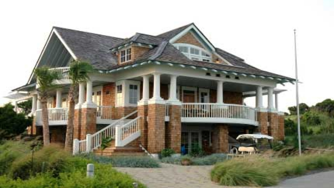 Beach house plans with porches bungalow house plans beach for Beach bungalow house plans