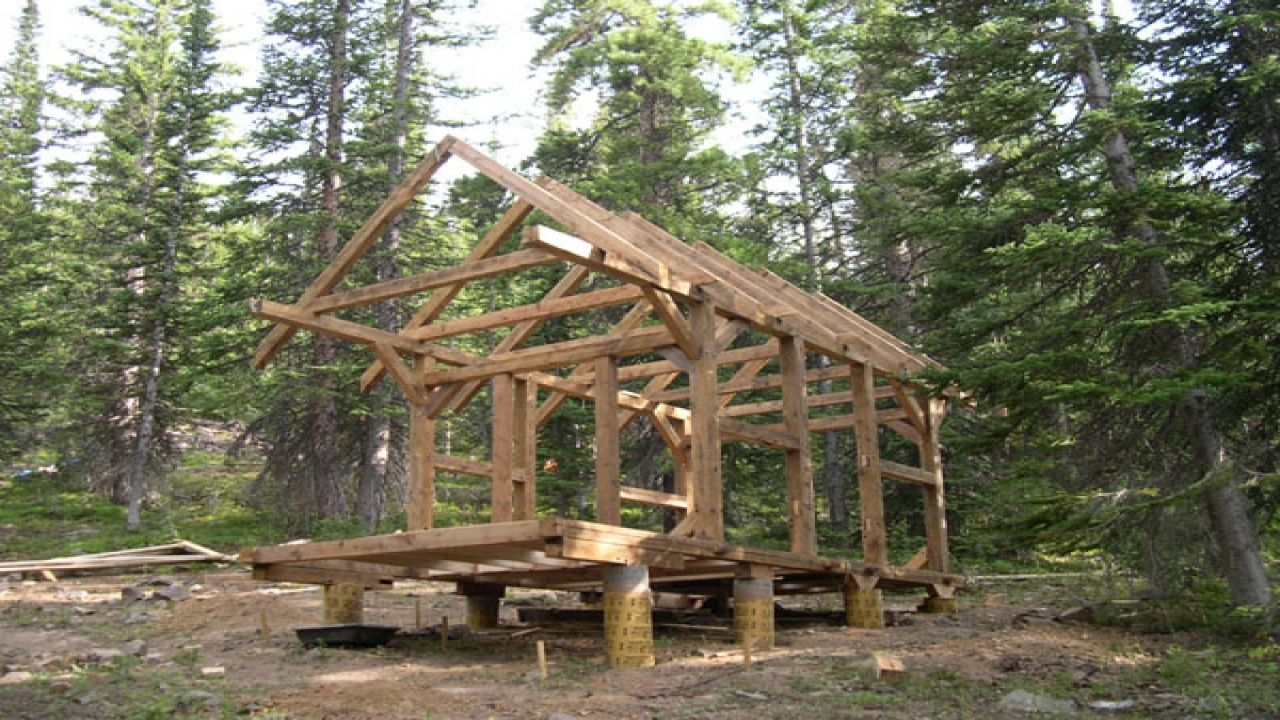 Building A Small Timber Frame Cabin Pieces Of Timber