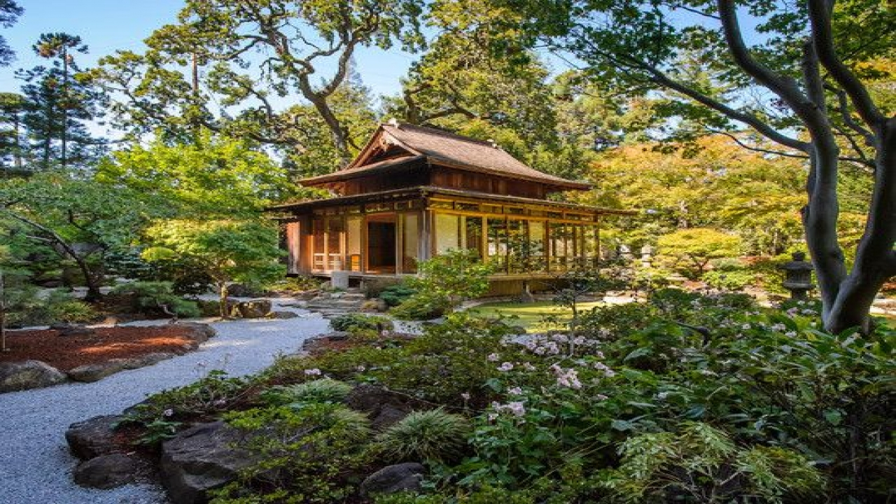 Traditional japanese style house plans traditional for Traditional style house plans