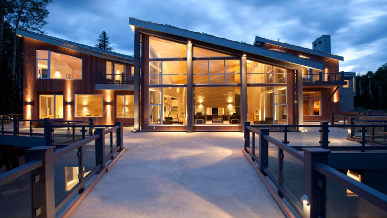 Mountain modern architecture chalet modern mountain houses for Ski chalet home designs