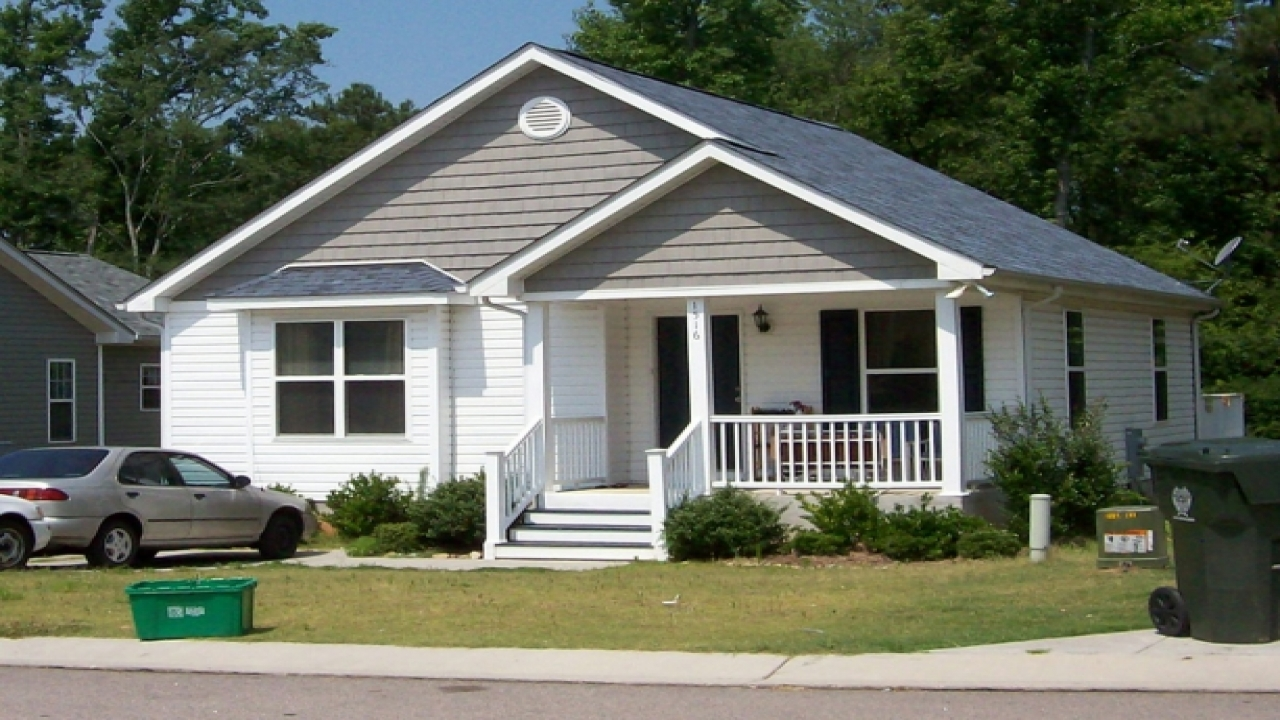 Small Home Designs: Bungalow House Plans With Porches Small Bungalow House