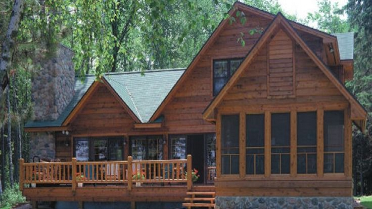 Eagle log homes of wisconsin log cabin lake home plans for Unique log cabin designs