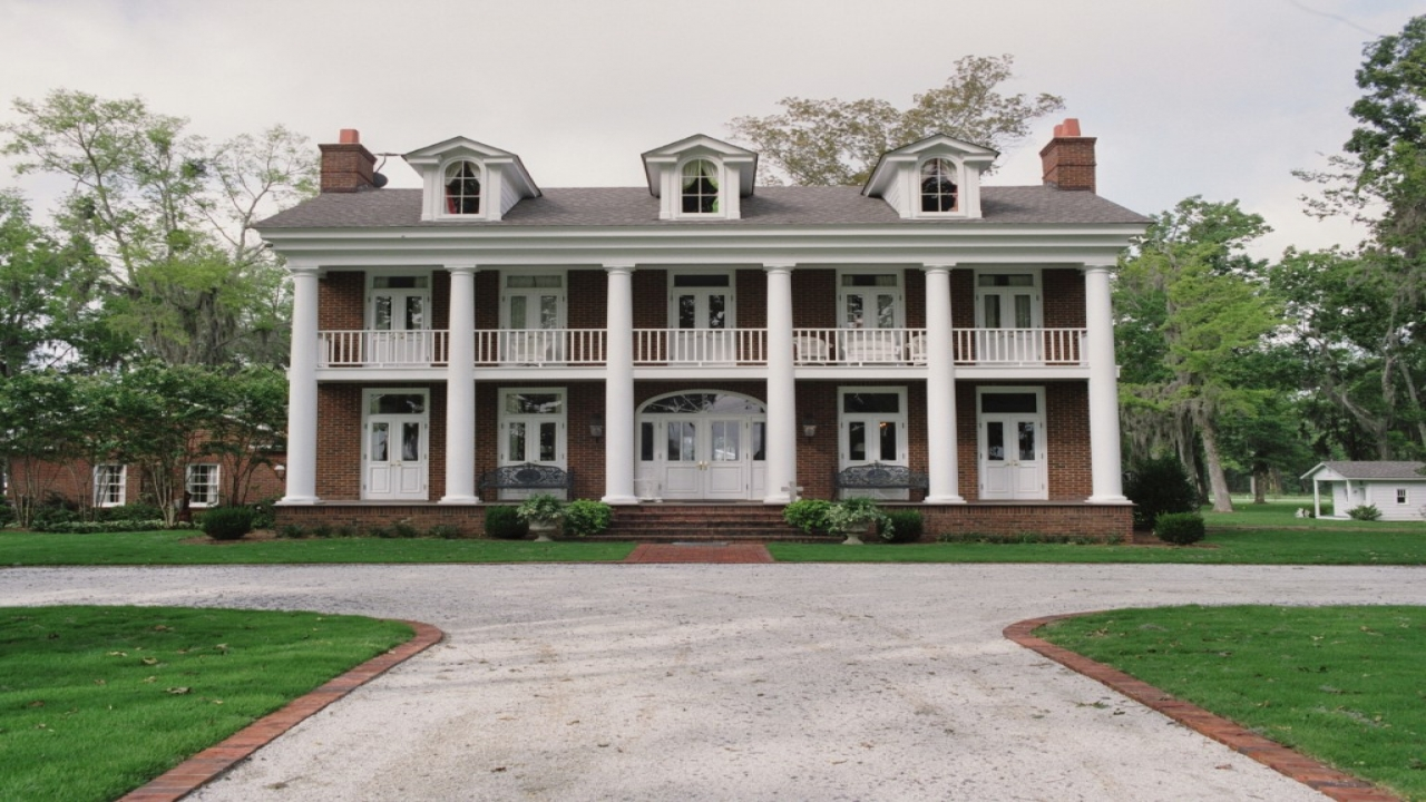Southern Colonial Style Home Dutch Colonial Style Homes