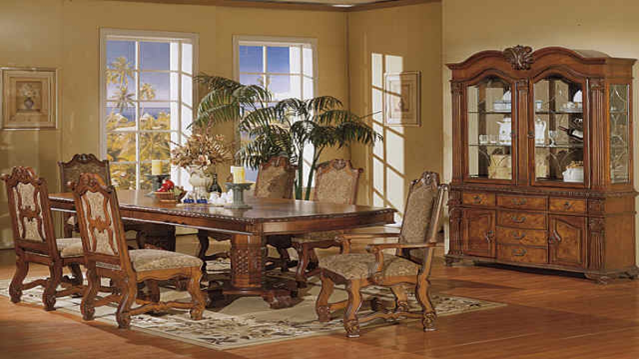 Boston interiors dining room sets classic dining room for B m dining room furniture