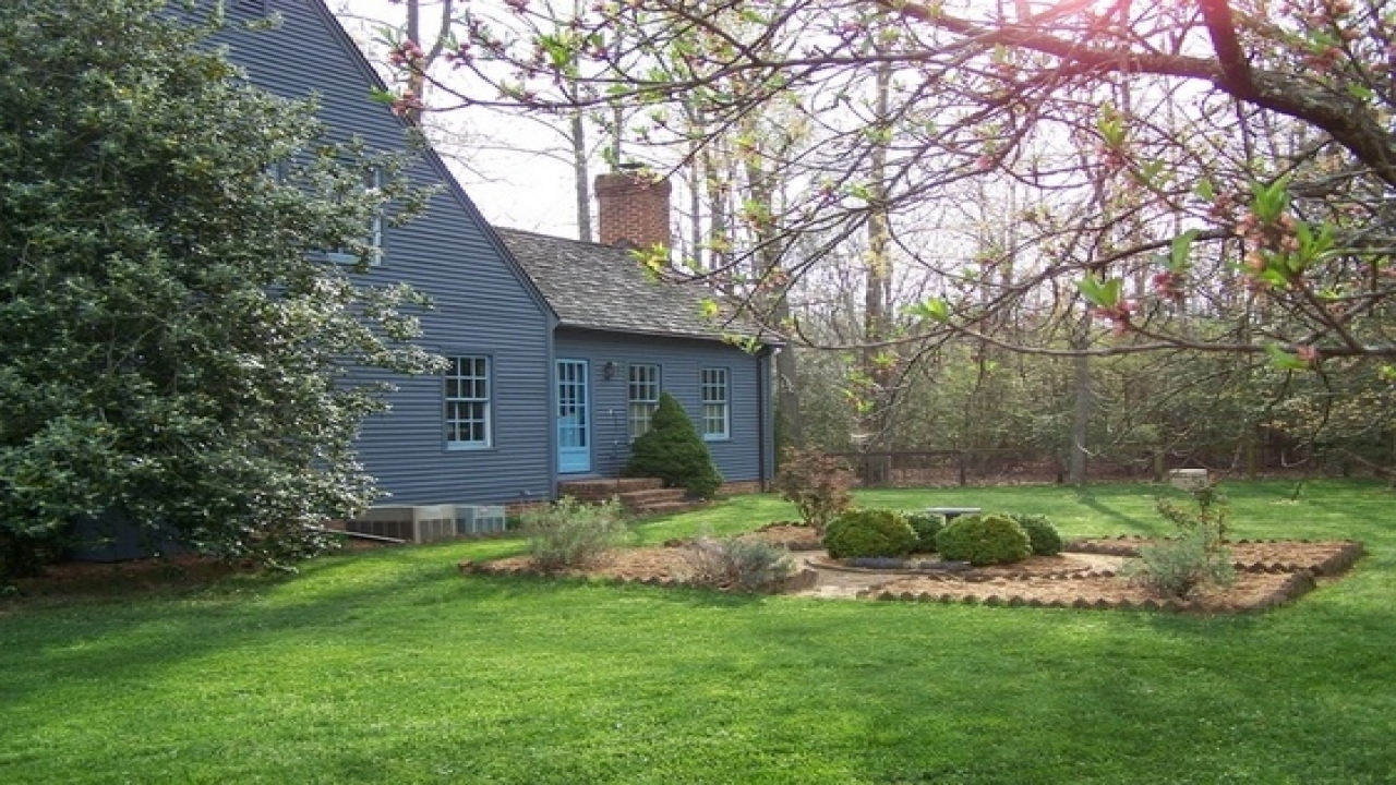 Early new england homes new england reproduction homes for New england home builders