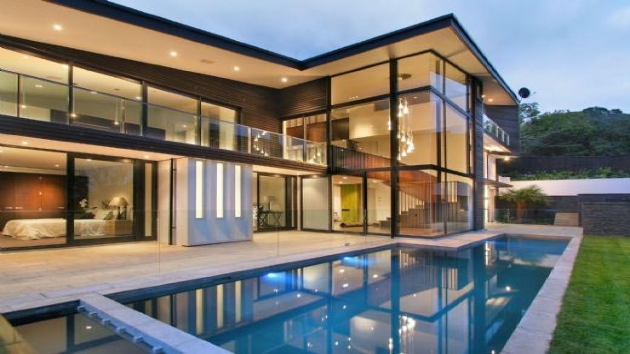 Mallorca luxury glass house luxury glass house for Luxury glass homes