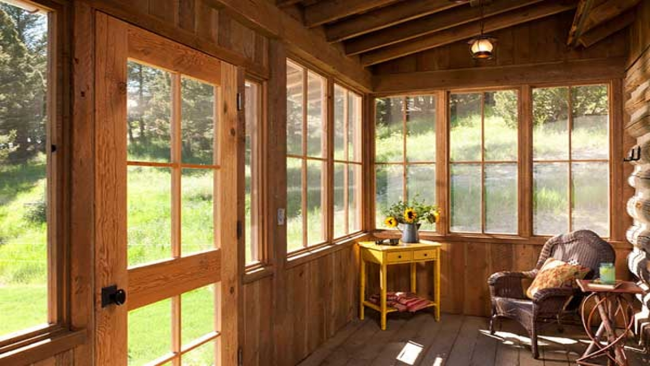 Small Log Cabin Floor Plans Small Log Cabin With Screened